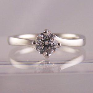 round brilliant cut engagement rings